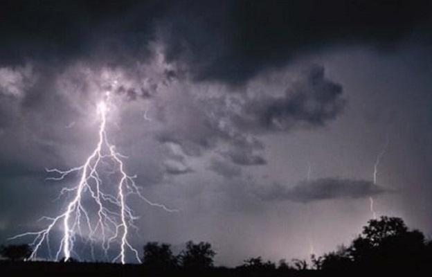 BMKG: Waspada Hujan Lebat Disertai Petir di Sukabumi dan Cianjur Hari Ini