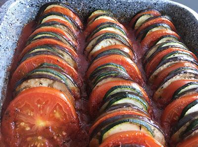 Warzywa pieczone w sosie pomidorowym