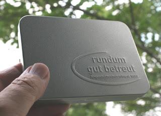 Metalldose mit einer Prägung versehen