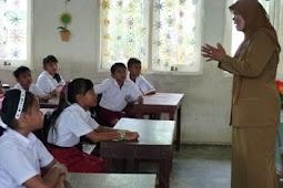 Guru PNS Di Sekolah Swasta Harus Segera Ditarik Ke Sekolah Negeri