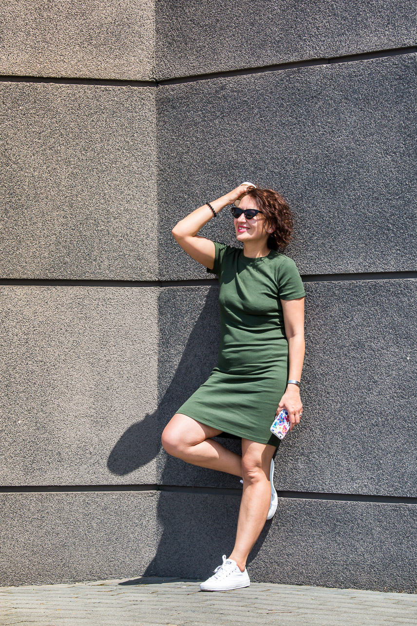 Adriana Style Blog, blog modowy Puławy, Sukienka Khaki, Zara Khaki Dress, Sukienka Zara, T-shirt dress, Converse All Stars, trampki Converse, Casual Outfit, Casual Style, outfit na co dzień