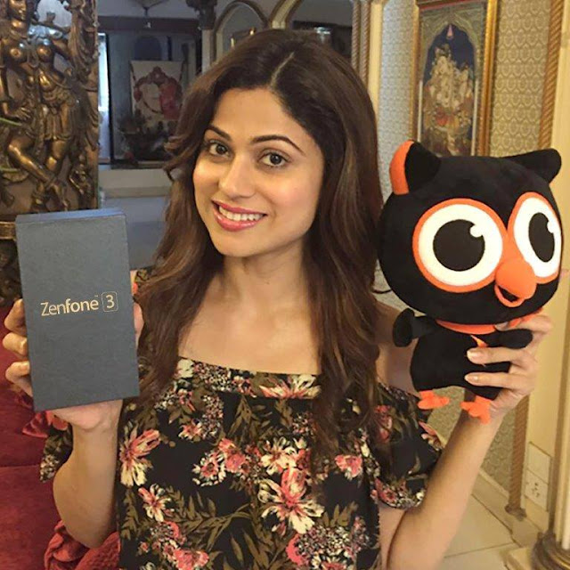 ASUS ZenFone 3 - The pretty Shamita Shetty gets smitten by incredible. She is in love with her all new Asus ZenFone 3. Know more about it here - z3n.asus.in