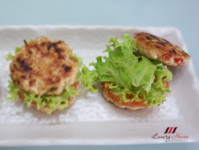 green coral lettuce on chicken patties
