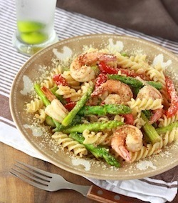 lemon grass olive oil pasta recipe with spices and herbs, asparagus, and prawns