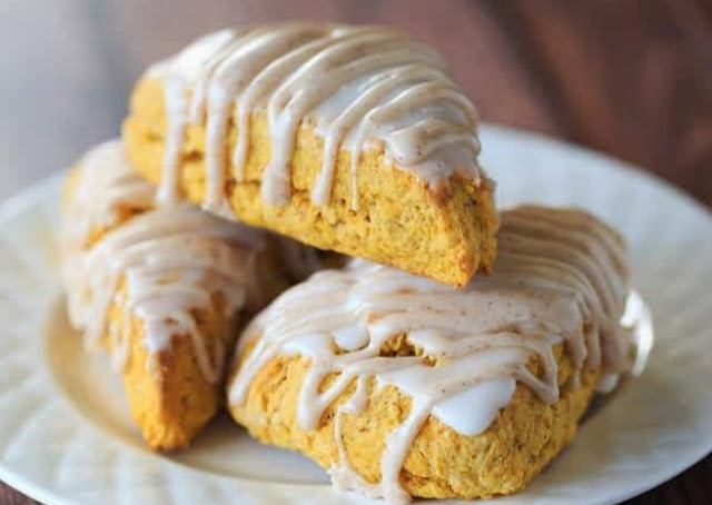 Copycat Starbucks Pumpkin Scones #desserts #pumpkin