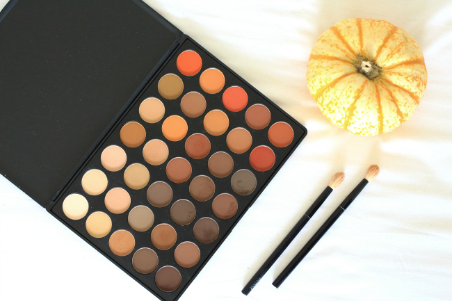 Morphe, swatches, 350, 350m, review, Eyeshaddow, palette, fall, autumn, winter, red, matte, shimmer