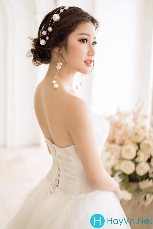 Model Quỳnh Hương | E-CUP