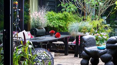 Llevar elementos del interior al jardín y del exterior al hogar