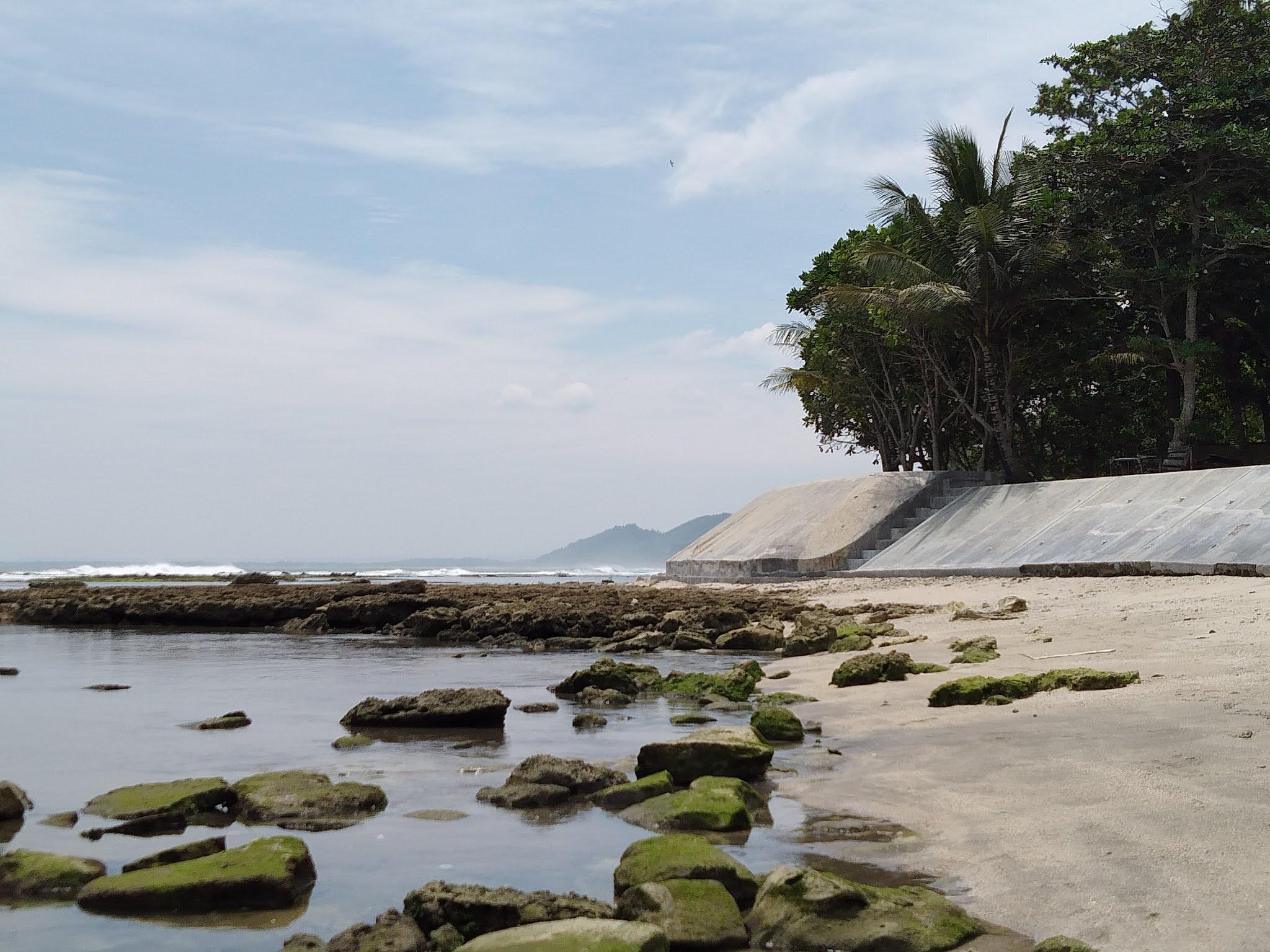 pantai karapyak lokasi pertama