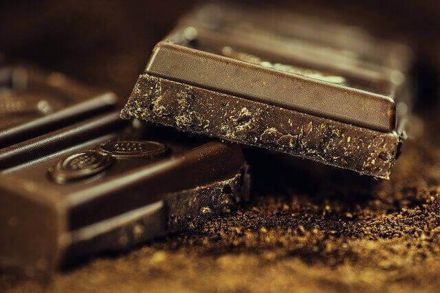 الشوكولاتة الداكنة وفوائدها العشرة الأفضل