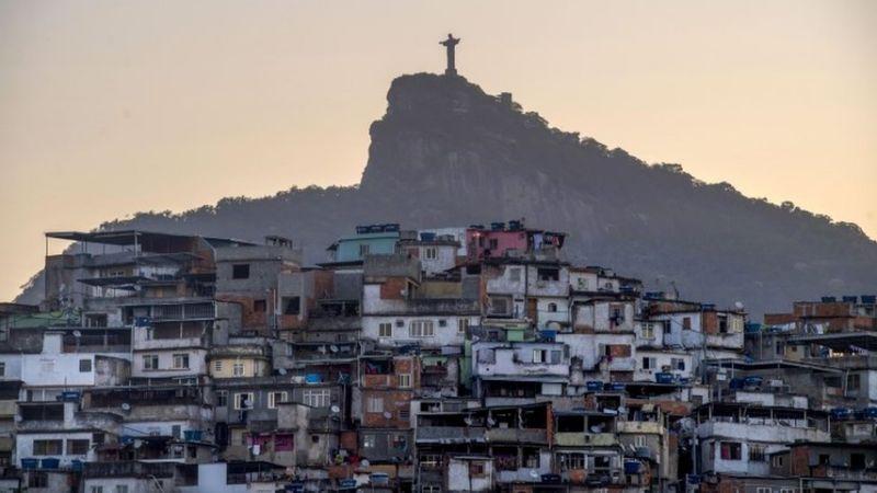 Las favelas de Río de Janeiro se movilizan ante la pandemia