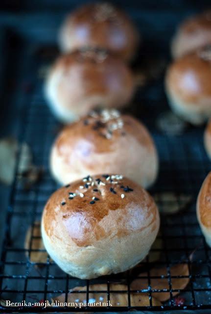 bulki, pieczywo, sniadanie, mleczko kokosowe, house of asia, bernika, kulinarny pamietnik, chleb