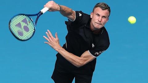 Borult a papírforma: ezzel a bravúrral jutott Fucsovics a második fordulóba az Australian Openen