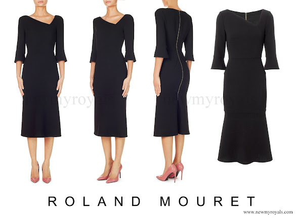 The Dagnall dress by Roland Mouret combines his signature svelte silhouette with the elegance of elbow-length sleeves and the uniqueness of an angular neckline.