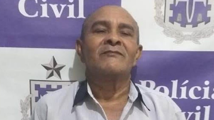 Acusado de estuprar enteadas faz cara de deboche após ser detido em Juazeiro (BA)