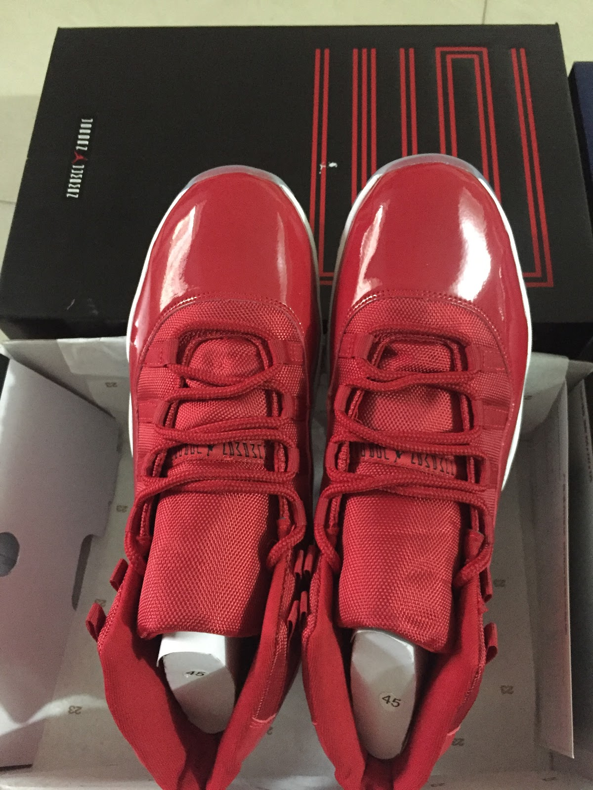 best authentic 6ed40 676f5 ... year to Michael Jordan s brilliant record in 1996 as the theme, all red  patent leather with red collar, tongue, whether it is static or on the  Feet, ...