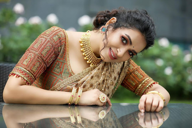 Meesha Ghoshal (Indian Actress) Wiki, Age, Height, Family, Career, Awards, and Many More...