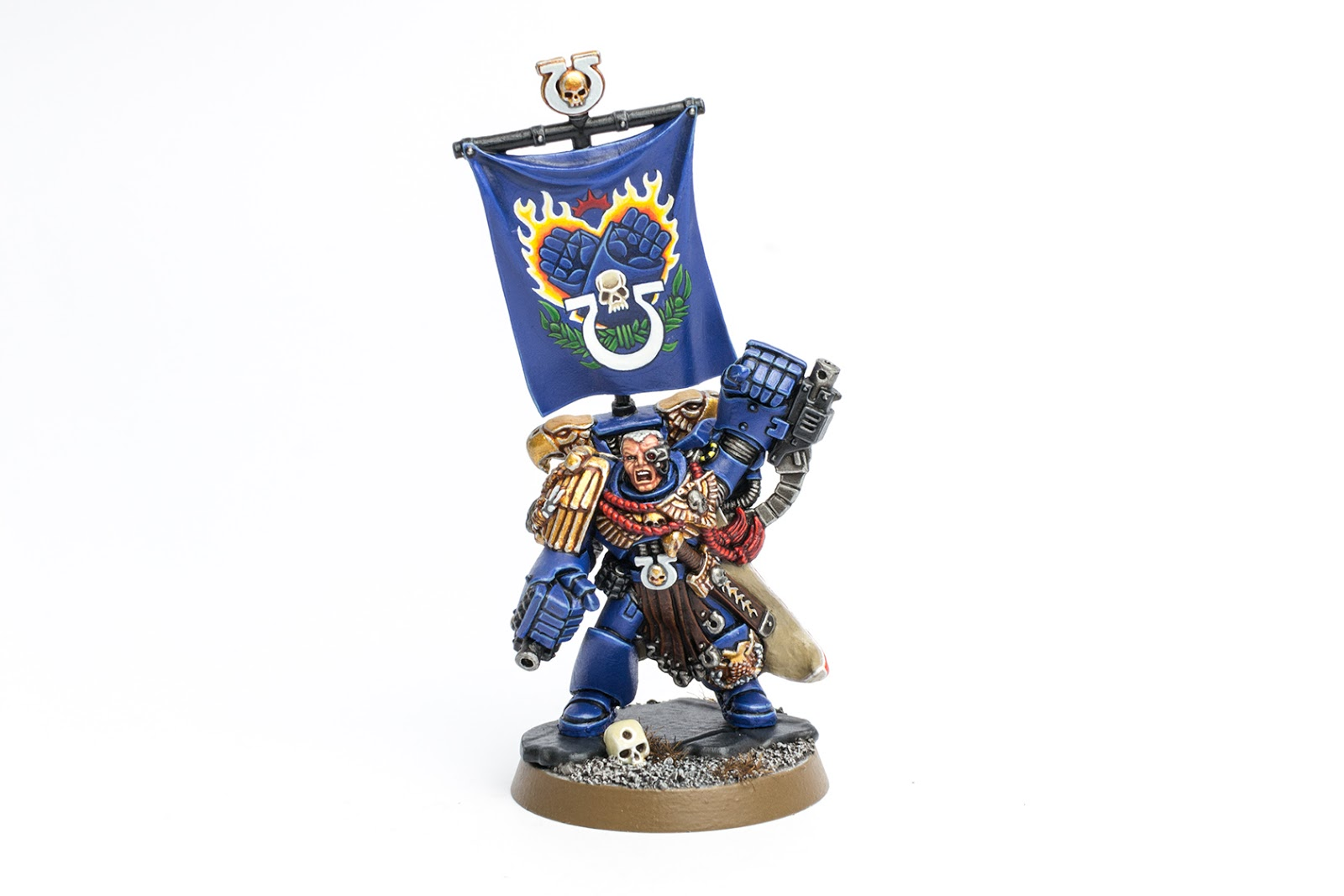 a5fa56a84b Showcase  Ultramarines Marneus Calgar in Power Armour - Tale of Painters