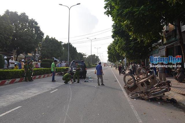 Quảng Ngãi: Ô tô 7 chỗ gây tai nạn liên hoàn, 3 người thương vong