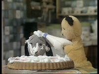 sooty and sweep try to make a cake