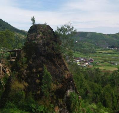 Obyek Wisata Bukit Sidengkeng Dieng Plateu