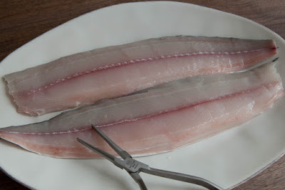 Frozen Pacific Mackerel Boning Process
