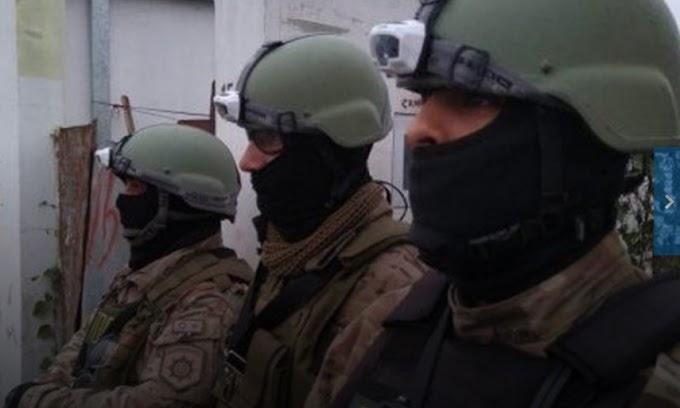 """Detuvieron a un ex jefe de policía en VGG por """"dar protección"""" a una banda de extorsionistas"""