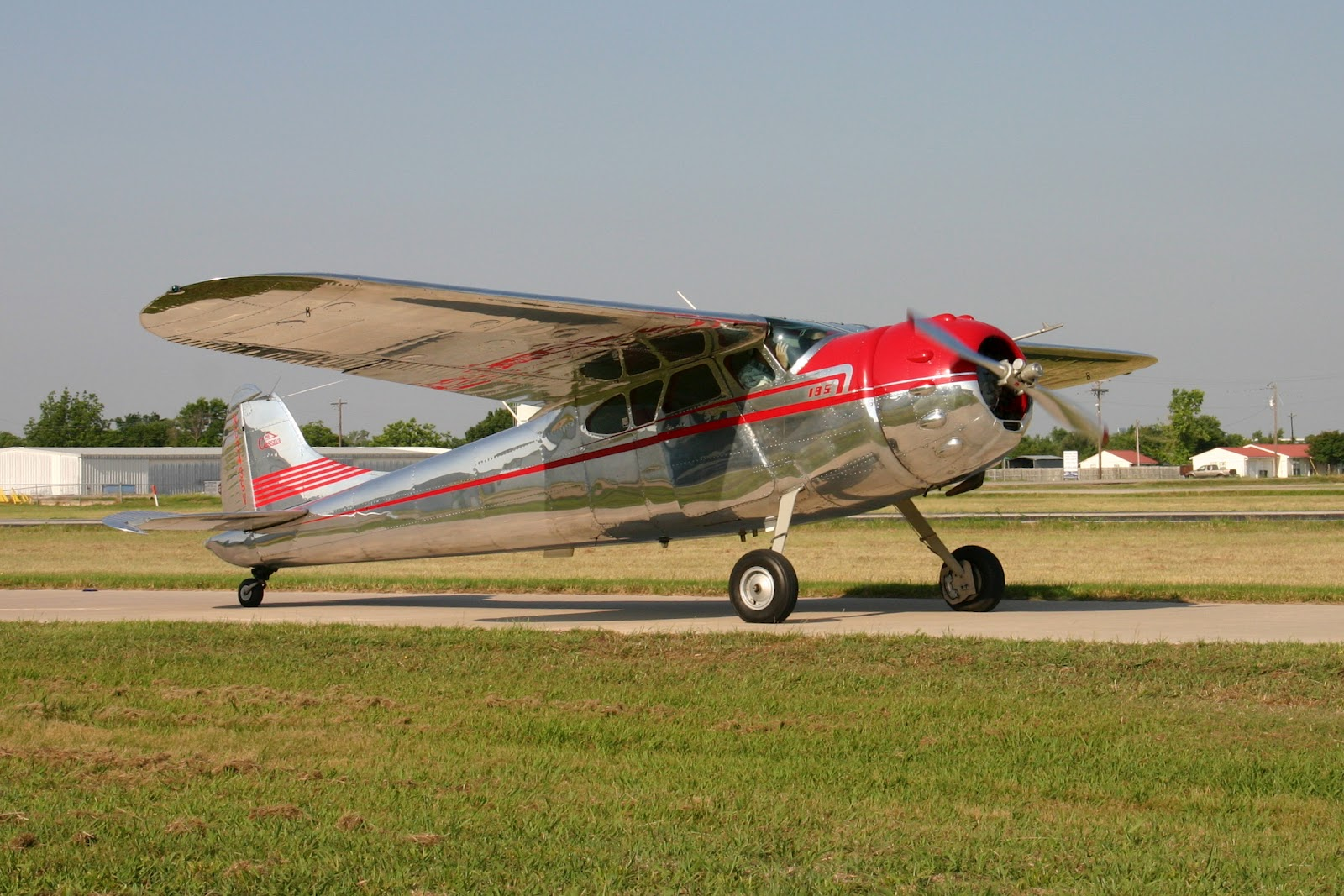 Dan Linn's Blog: Hangar Time