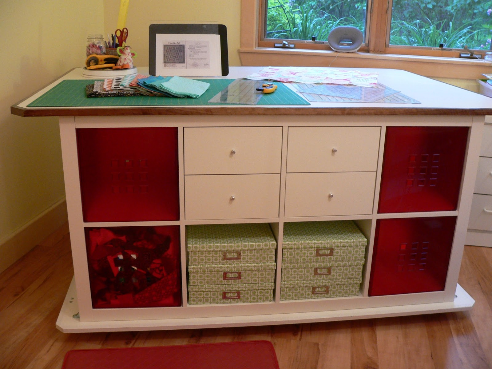 asimplelife Quilts: Dream Cutting Table!