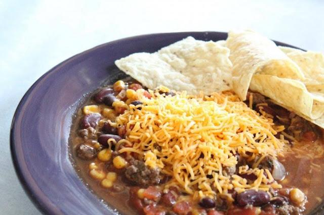 Easy Crockpot Taco Soup #comfortfood #soup