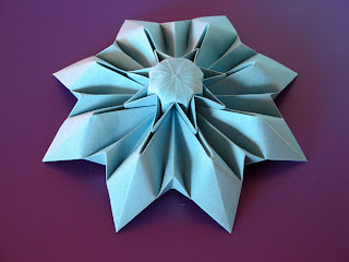 Origami Corolla 2 by Francesco Guarnieri