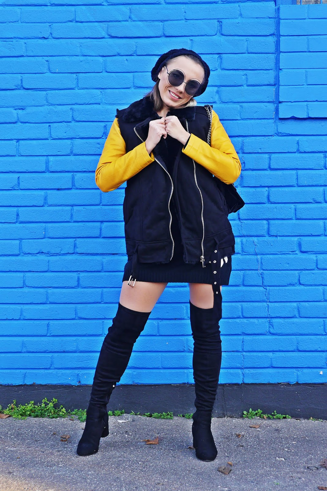 4_daisy_sweater_mustard_biker_jacket_high_knee_boots_201118