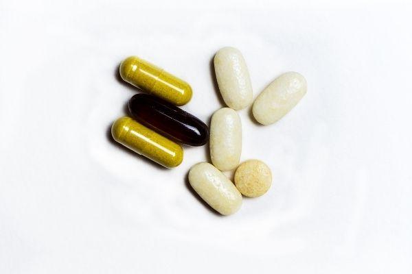 Glucosamine và Chondroitin có vai trò gì trong điều trị viêm xương khớp?