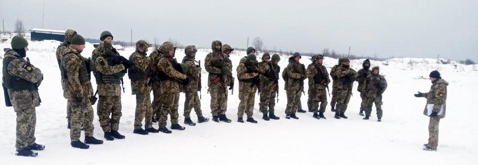 Призвані на збори командир рот і взводів територіальної оборони навчаються на Львівщині
