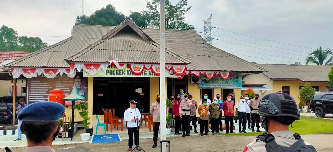 Bupati bersama Aparat gabungan dari TNI, Polri, dan Brimob