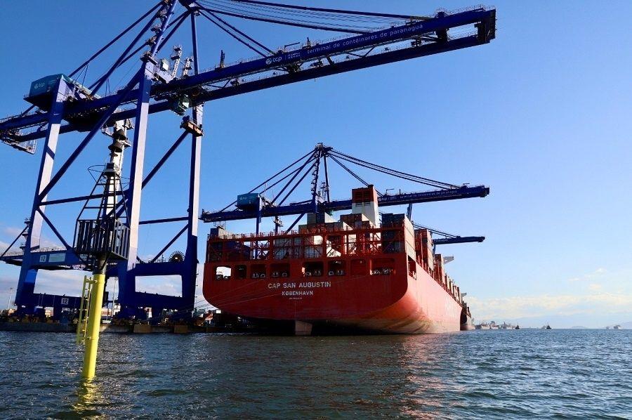 Portos do Paraná faz troca de bóias de sinalização náutica