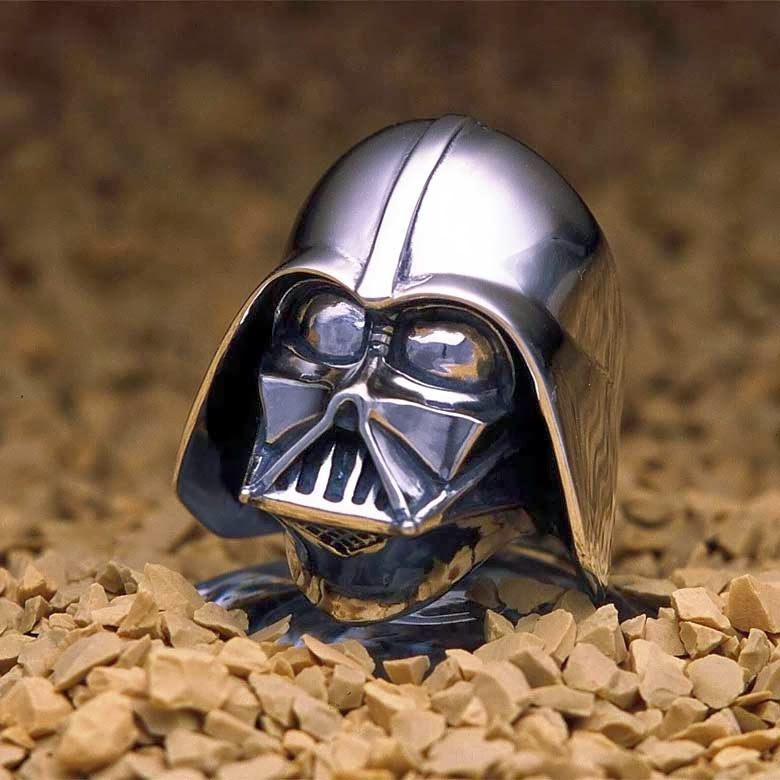 06-Darth-Vader-jap-inc-Star-Wars-Rings-Sculptures-www-designstack-co