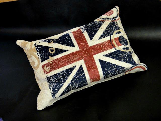 Подушка Английский флаг - 40х50 см и 40х60 см, ворсованная ткань, ручная работа. Доставка почтой или курьером