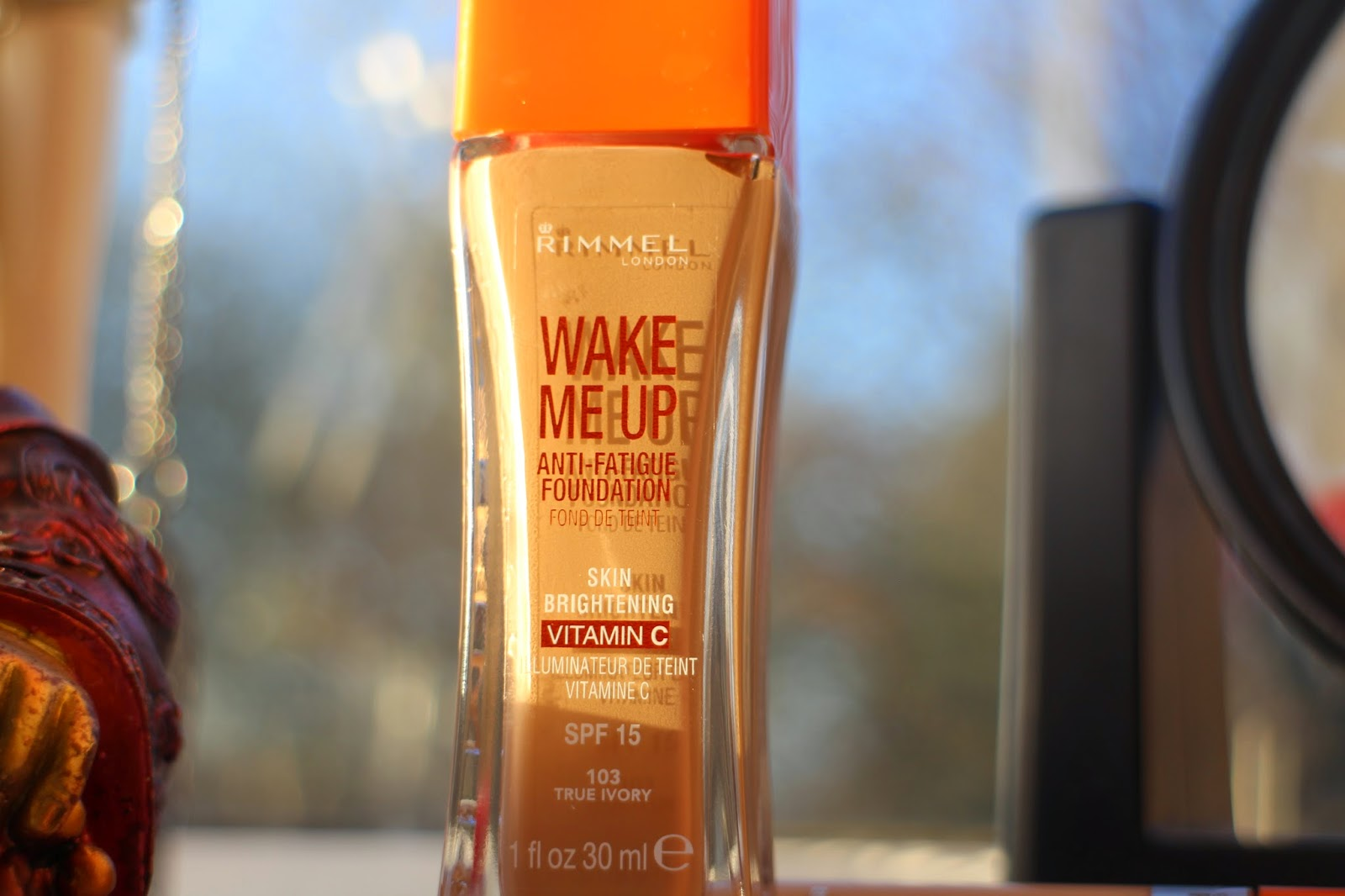 'Wake Me Up' Rimmel Makeup foundation