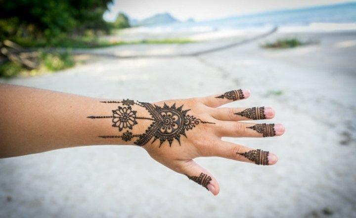main-tatouage féminin-5