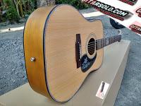 Gitar Akustik Berkualitas,Gitar Akustik Bagus,Jual Gitar Akustik,Gitar Akustik Martin,Pesan Gitar Akustik,Pengrajin Gitar Akustik,Harga Gitar Akustik Murah