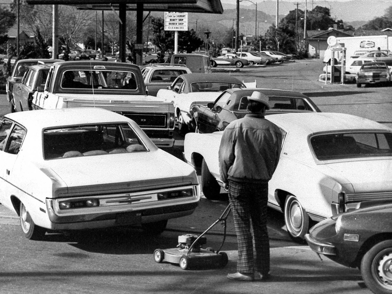 Ultimate Collection Of Rare Historical Photos. A Big Piece Of History (200 Pictures) - 1973 fuel shortage