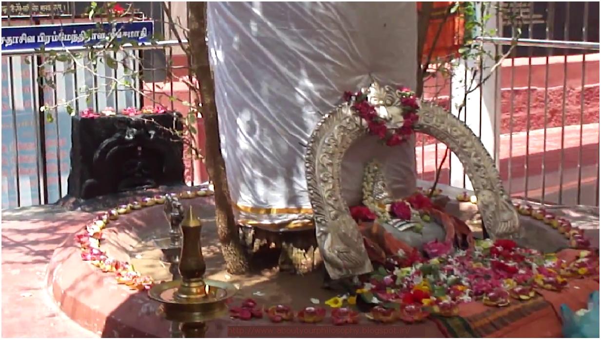 Sadasiva Brahmendra, Sundara chaitanya Sadasiva Brahmendra Keetans, Sadasiva Brahmendra Jeeva Samadhi.