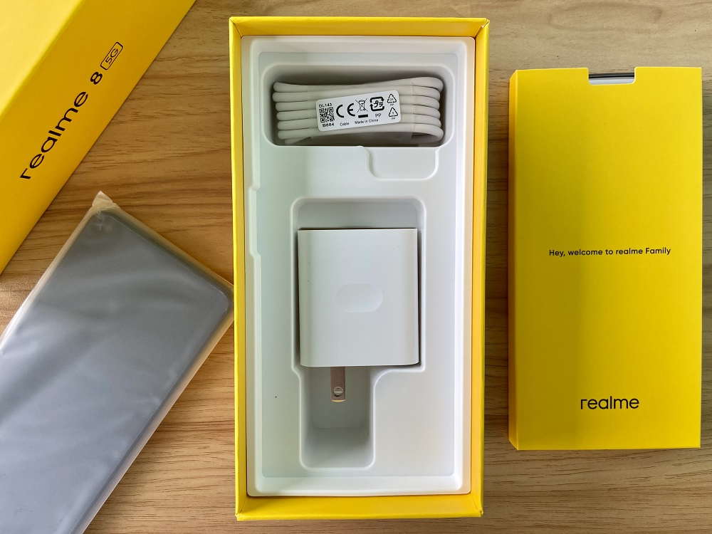 realme 8 5G Charging Cable and 18W Quick Charger