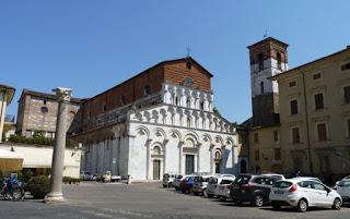 Lucca, como todas las poblaciones de Italia, posee muchas iglesias.