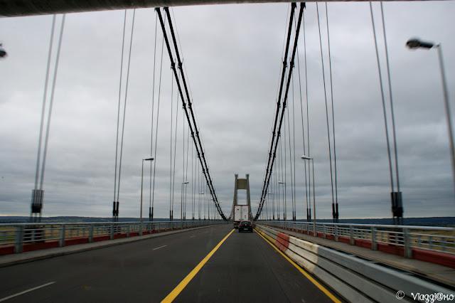 Passaggio sul Ponte di Tancarville che attraversa la Senna
