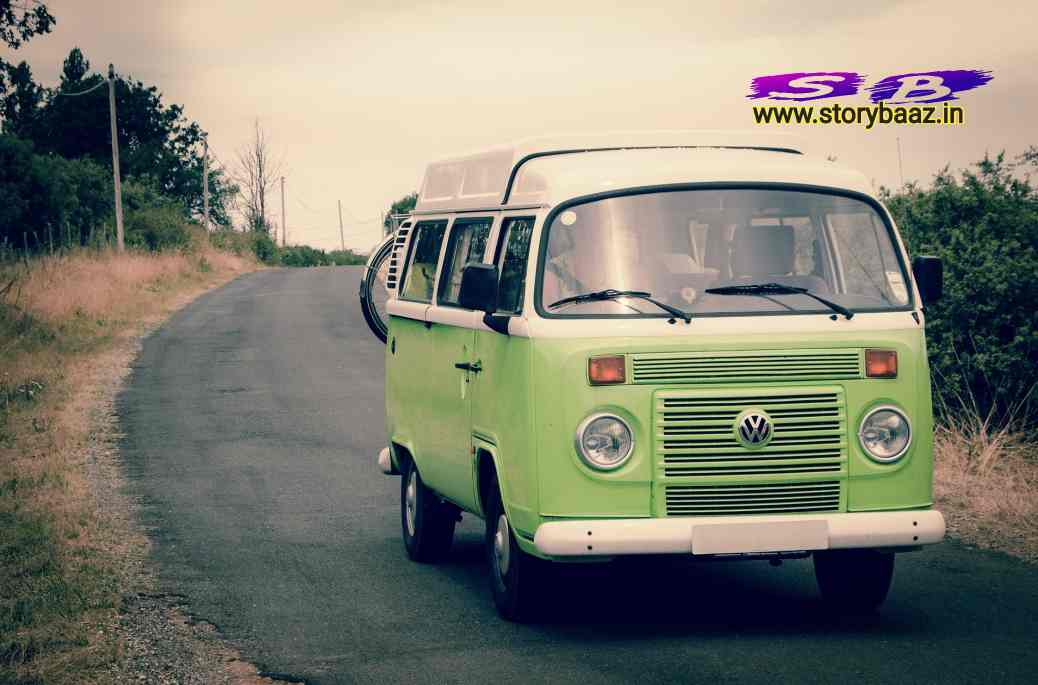 beinthan-love-story-bus-photo-on-road