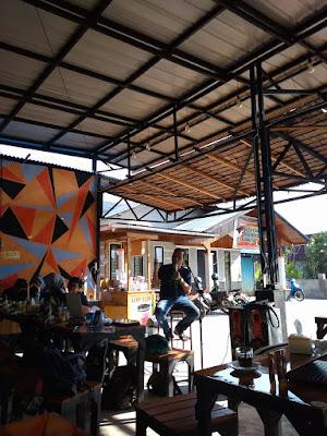 Ngopi Bareng Gebetan di EIS Coffe Cafe Pontianak