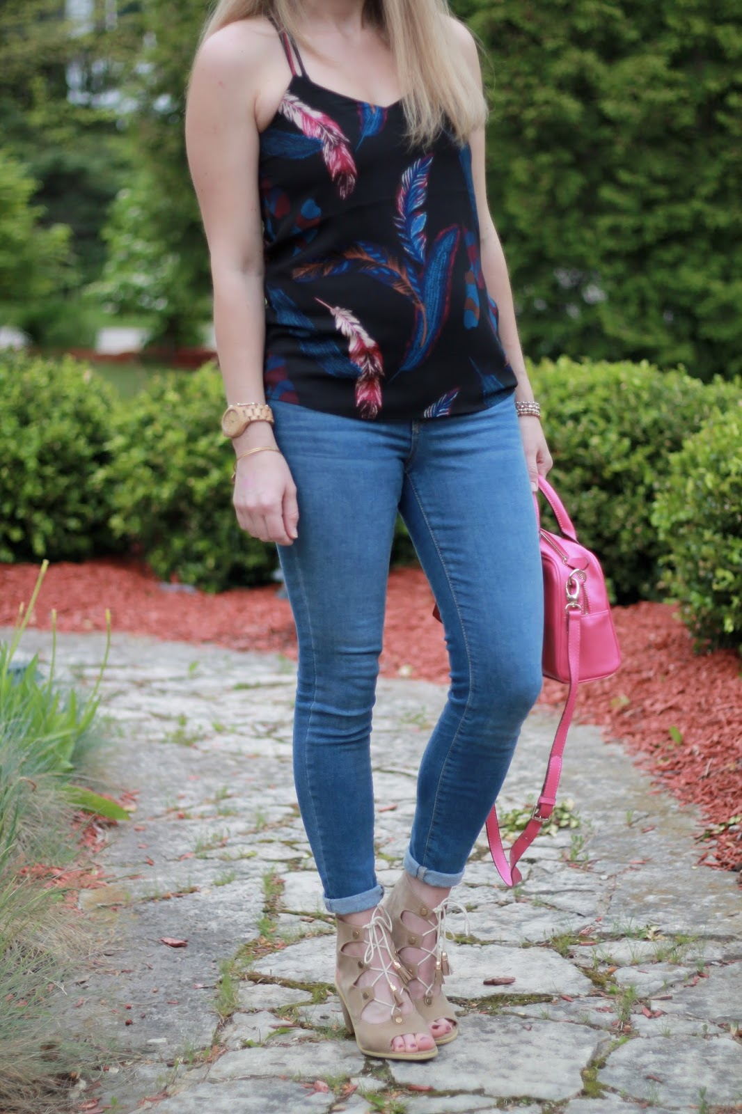 feather print barcelona cami, jeans, lace up sandals, bright pink bag