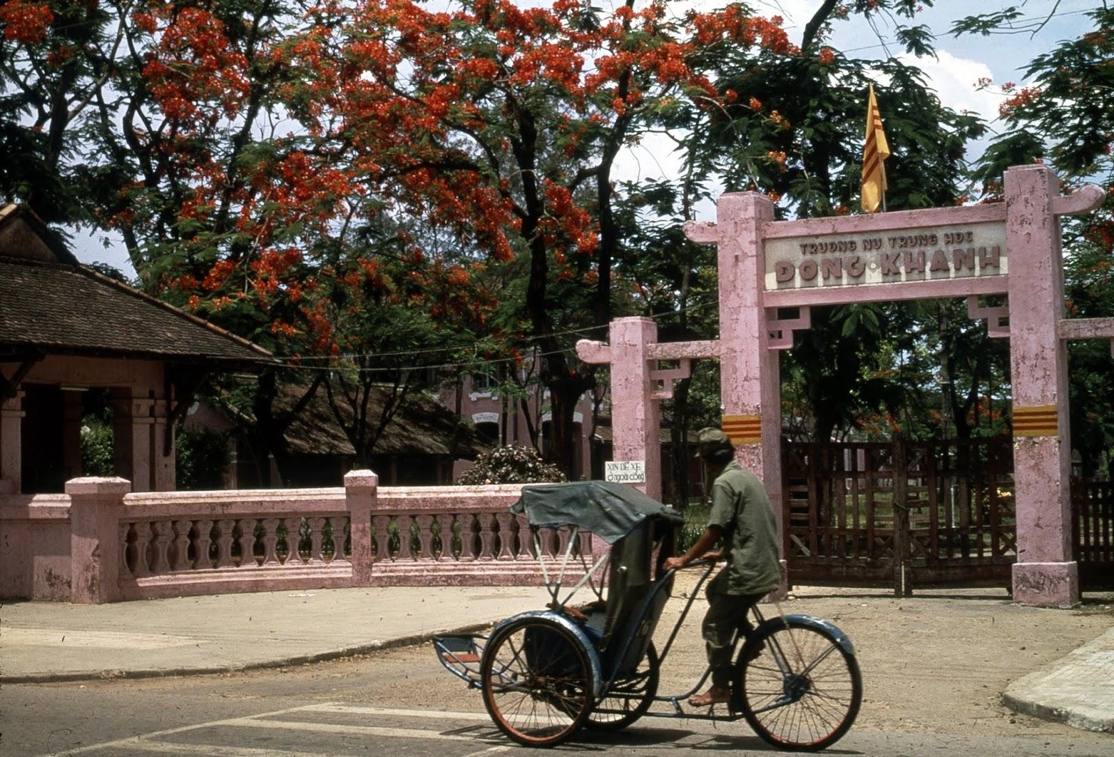 Ảnh xưa: Trường Nữ Trung học Đồng Khánh Huế